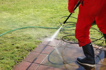 Handyman High pressure cleaning patio tile